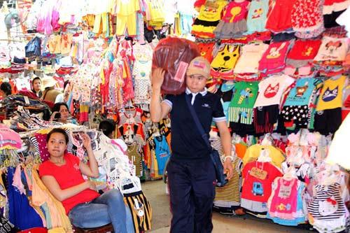 """Những ngôi chợ """"già"""" nổi tiếng nhất Sài Gòn - 7"""