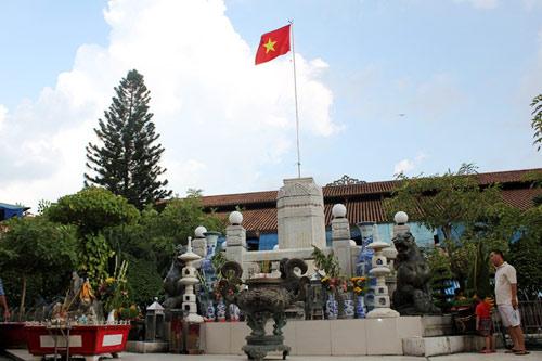 """Những ngôi chợ """"già"""" nổi tiếng nhất Sài Gòn - 8"""