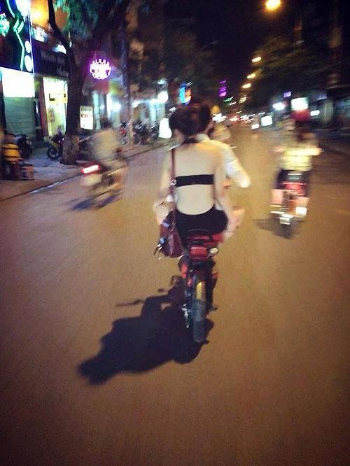 Thiếu nữ Việt hở bạo, trang tin nước ngoài lên tiếng - 2