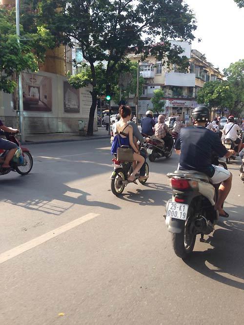 Thiếu nữ Việt hở bạo, trang tin nước ngoài lên tiếng - 5