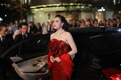 Hé lộ đại gia bí mật của Trang Nhung trong Scandal - 3