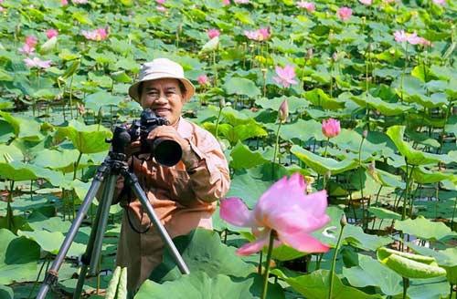 Doanh nhân mê chụp sen, lập 2 kỷ lục Việt Nam - 1