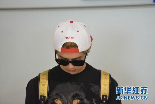 Nhóm EXO đau đầu vì quản lý đánh fan Trung Quốc - 4