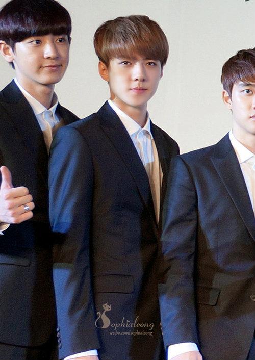 Nhóm EXO đau đầu vì quản lý đánh fan Trung Quốc - 8