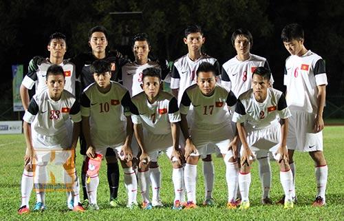 """Chùm ảnh: U19 VN """"hành hạ"""" đàn anh U21 Campuchia - 1"""