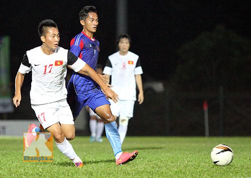 """Chùm ảnh: U19 VN """"hành hạ"""" đàn anh U21 Campuchia - 4"""