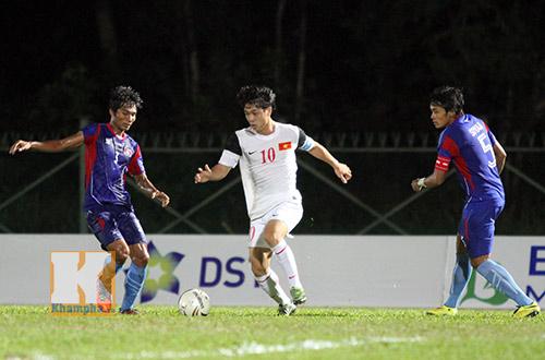 """Chùm ảnh: U19 VN """"hành hạ"""" đàn anh U21 Campuchia - 6"""