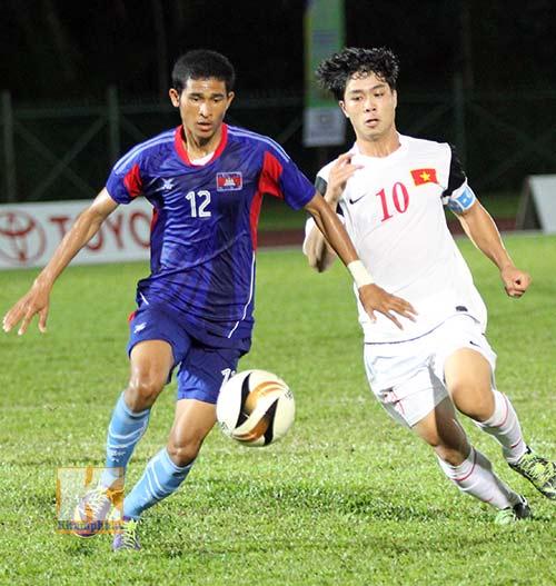 """Chùm ảnh: U19 VN """"hành hạ"""" đàn anh U21 Campuchia - 11"""