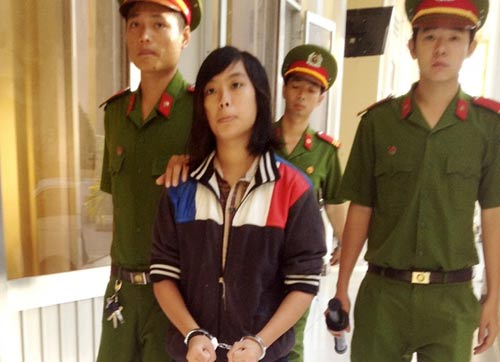 Đang xét xử thiếu nữ đồng tính giết xe ôm ở Sóc Trăng - 2