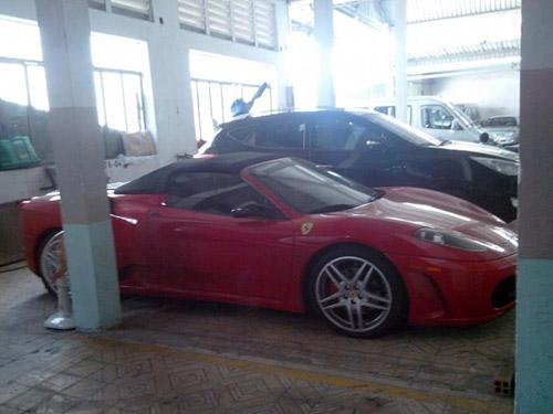 Dàn siêu xe Ferrari phủ bụi ở Việt Nam - 5