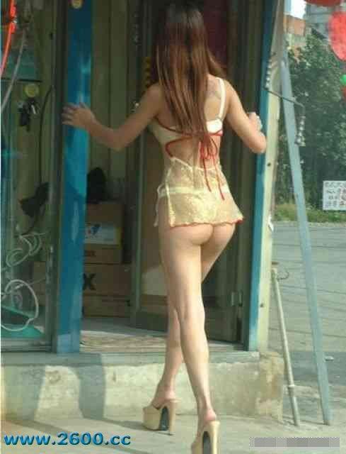 Ngỡ ngàng vì cô gái bán kem sexy ở Đài Loan - 3