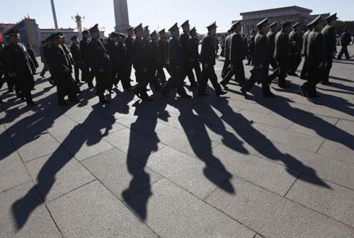 Quân đội Trung Quốc đang bị xói mòn bởi hối lộ - 1