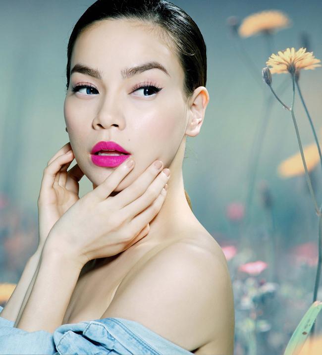 Hiện nay, người đẹp lai này đã chuyển hướng sang ca nhạc và trở thành một trong những tên tuổi quyền lực nhất của showbiz Việt. Cô cũng được khán giả truyền hình nhớ đến khi ngồi ghế nóng trong cuộc thi The Voice mùa thứ 2.