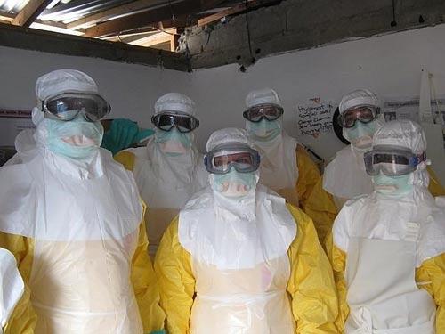 Liberia: Bắn người vượt biên để ngăn lây lan bệnh Ebola - 1