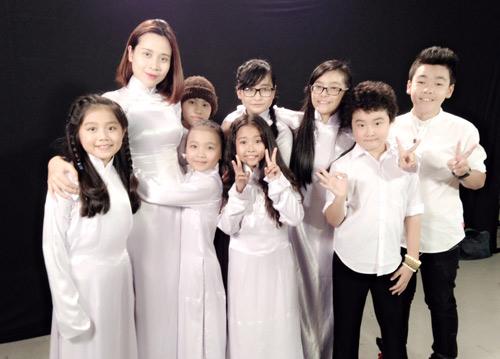 Vợ chồng Giang Hồ cùng học trò The Voice Kids hát về mẹ - 2
