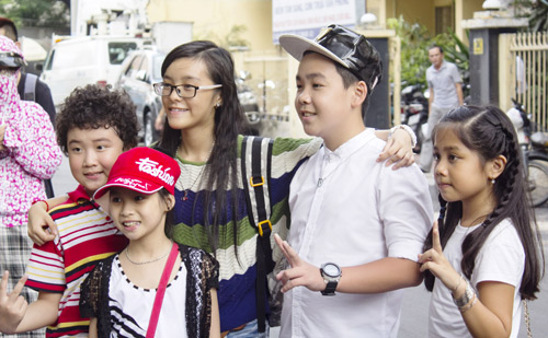 Vợ chồng Giang Hồ cùng học trò The Voice Kids hát về mẹ - 7