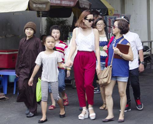 Vợ chồng Giang Hồ cùng học trò The Voice Kids hát về mẹ - 5