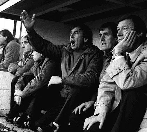 Van Gaal, Mourinho, Wenger và trào lưu xô nước lạnh - 2