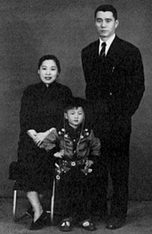 Mẹ Thành Long từng là nữ giang hồ buôn ma túy - 3