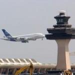 Tin tức trong ngày - TQ: Máy bay không thể hạ cánh vì kiểm lưu... ngủ gật
