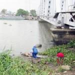 Tin tức trong ngày - Phát hiện xác người cột vào bao tải đá ở sông Sài Gòn
