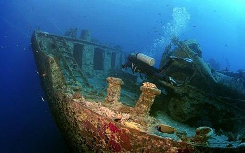 Phát hiện kho xe cổ dưới lòng đại dương - 1