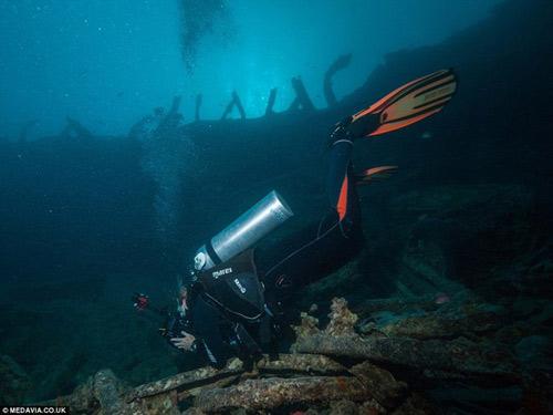 Phát hiện kho xe cổ dưới lòng đại dương - 9