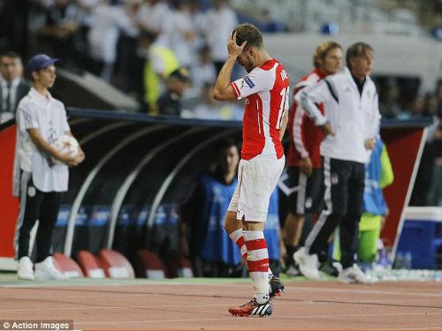 """Ramsey bị đuổi, Wenger """"tố"""" bị CĐV Besiktas uy hiếp - 1"""