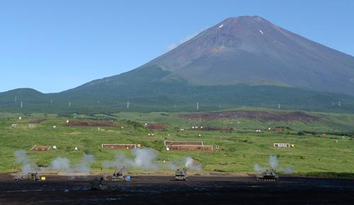 Mãn nhãn xem Nhật phô diễn hỏa lực dưới núi Phú Sĩ - 10