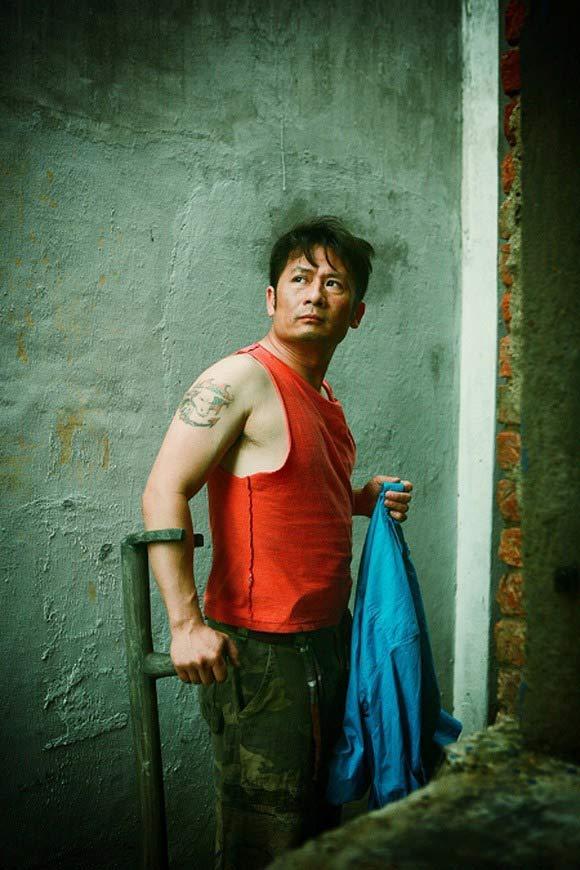 Những quý ông showbiz Việt vào vai giang hồ cộm cán - 13