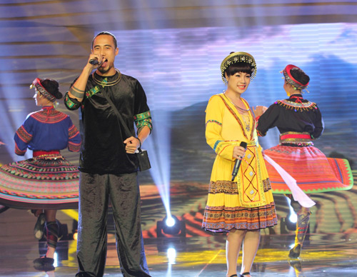 NSND Thanh Hoa lần đầu hát cùng con trai út - 2