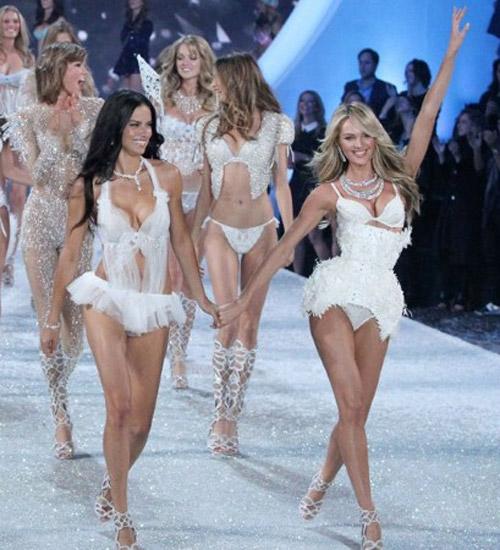 Mất gần 400 triệu để ngắm thiên thần mặc nội y - 1