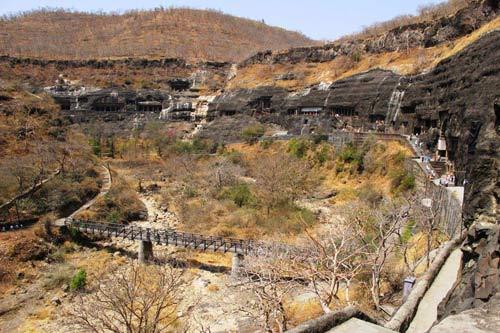 Ấn Độ: Choáng ngợp hai động thạch nổi tiếng TG - 8