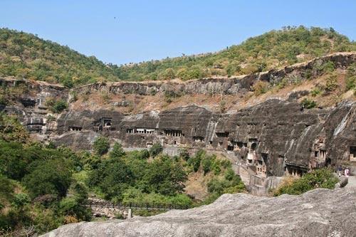 Ấn Độ: Choáng ngợp hai động thạch nổi tiếng TG - 2