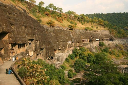 Ấn Độ: Choáng ngợp hai động thạch nổi tiếng TG - 1