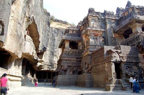 Ấn Độ: Choáng ngợp hai động thạch nổi tiếng TG - 9