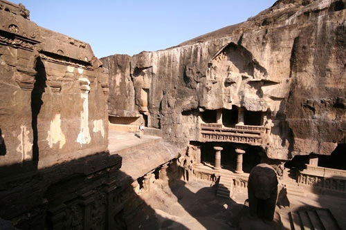 Ấn Độ: Choáng ngợp hai động thạch nổi tiếng TG - 15