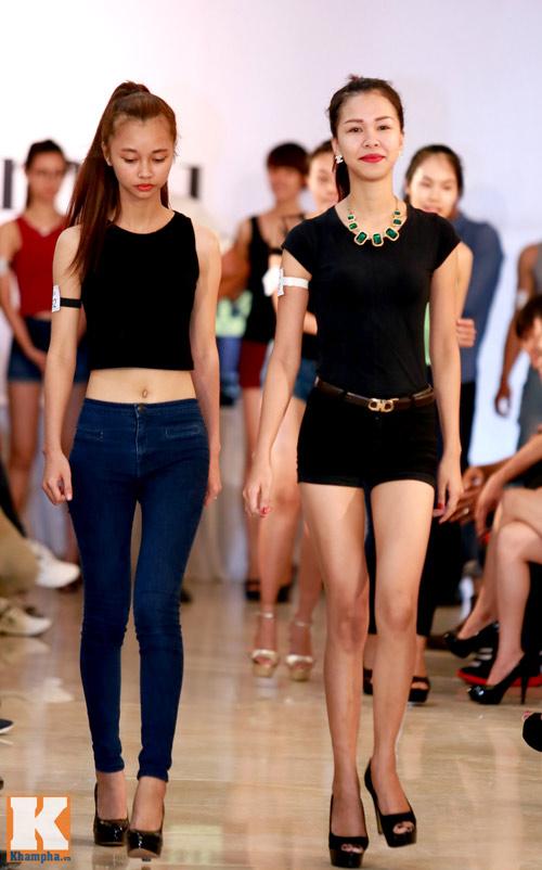 Thí sinh người mẫu nhịn ăn trưa luyện catwalk - 7
