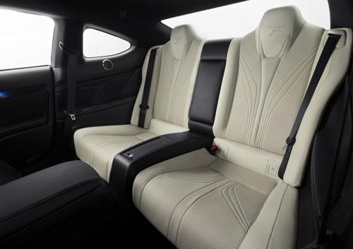 """Lexus RC F 2015 giá """"chát"""" hơn BMW M4 Coupe - 10"""