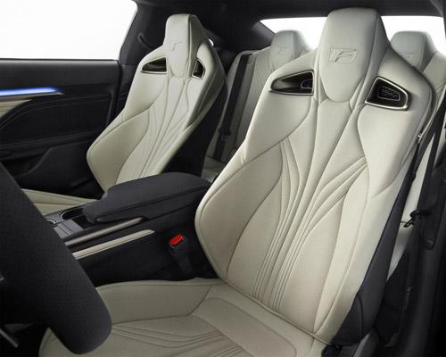 """Lexus RC F 2015 giá """"chát"""" hơn BMW M4 Coupe - 11"""