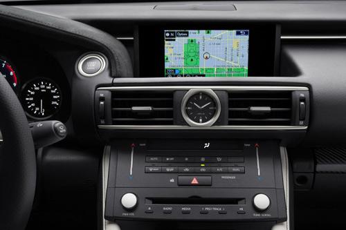 """Lexus RC F 2015 giá """"chát"""" hơn BMW M4 Coupe - 13"""