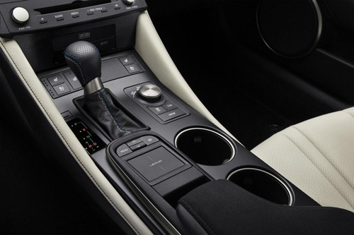 """Lexus RC F 2015 giá """"chát"""" hơn BMW M4 Coupe - 14"""