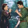 NSND Thanh Hoa lần đầu hát cùng con trai út
