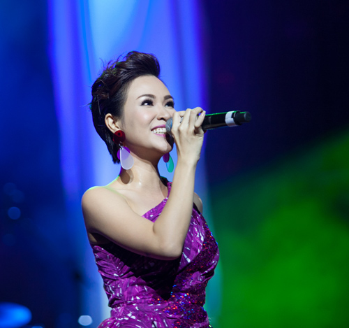 """Phạm Anh Khoa """"phá nát"""" bài hit của Uyên Linh - 4"""
