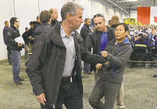 """Thủ tướng Canada cấm cửa phóng viên TQ vì """"cư xử tồi"""" - 2"""
