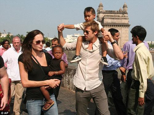 """""""Brad Pitt không hề yêu Angelina Jolie"""" - 2"""