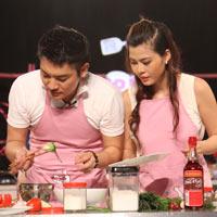 MC Tuấn Anh khoe tài nấu ăn cùng vợ trên sóng truyền hình