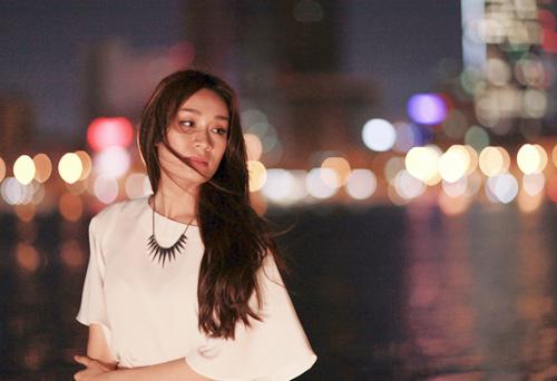 Minh Thư nuối tiếc nhớ người yêu trong MV mới - 1