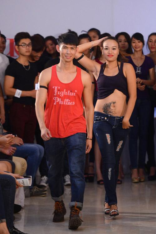 """Nhiều thí sinh người mẫu bị loại vì hình xăm """"khủng"""" - 7"""