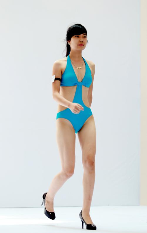 Ứng viên miền Bắc xấu - đẹp với bikini - 6